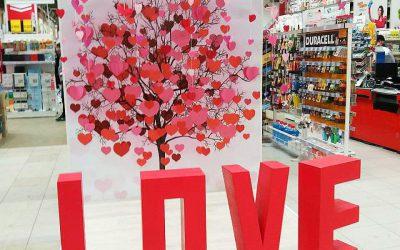 Тематические фотозоны ко Дню Всех Влюбленных!